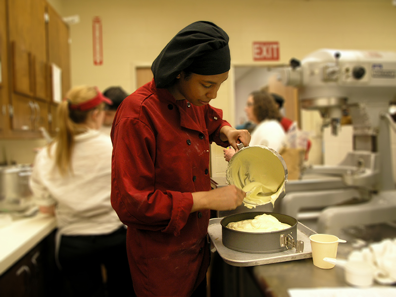 Domonique makes a cheese cake
